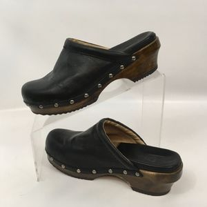 Frye Claire Campus Clogs Black Leather Mules